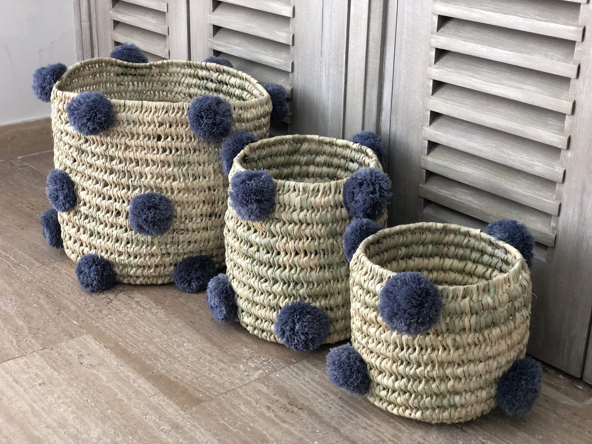 panière pompons bleu